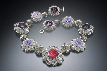 Folded leaf Victoria necklace